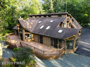 809 Overlook Ct, Lords Valley, PA 18428