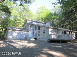 101 Canoebrook Dr, Lords Valley, PA 18428