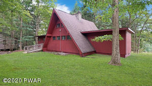 215 Hillside Dr, Lords Valley, PA 18428