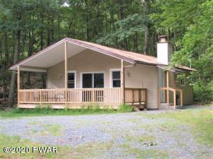 143 Bluestone Dr, Lords Valley, PA 18428