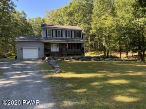 149 Lakeview Cir, Hawley, PA 18428