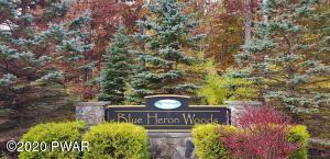 130 Springwood Dr, Hawley, PA 18428