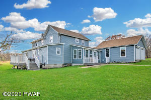 321 Welcome Lake Rd, Beach Lake, PA 18405