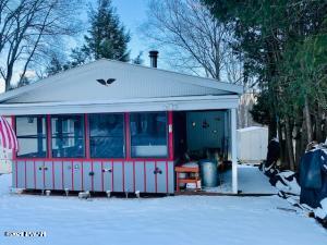 31 Hilltop Rd, Lake Ariel, PA 18436