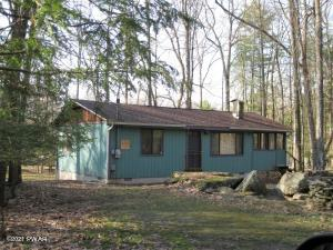 127 Pine Hill Dr, Lakeville, PA 18438