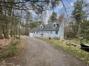 123 Paupack Heights Dr, Paupack, PA 18451