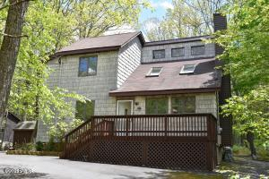 113 Broadmoor Drive, Lords Valley, PA 18428