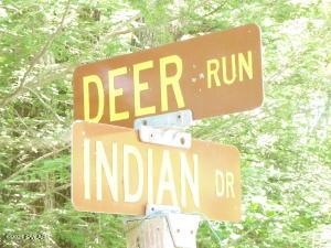 93 Indian Dr, Greentown, PA 18426
