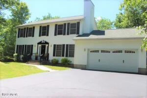 348 Surrey Dr, Lords Valley, PA 18428