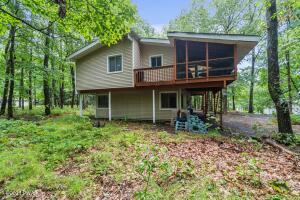 202 Country Club Dr, Lords Valley, PA Select