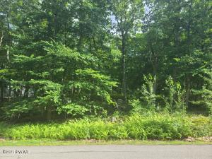 119 Long Ridge Dr, Lords Valley, PA 18428