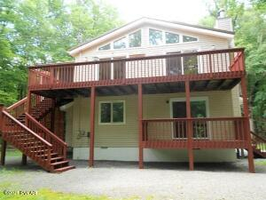 201 Goldrush Dr, Lords Valley, PA 18428