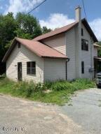 291 Roemerville Rd, Greentown, PA 18426
