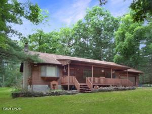 106 Trailwood Dr, Greeley, PA 18425