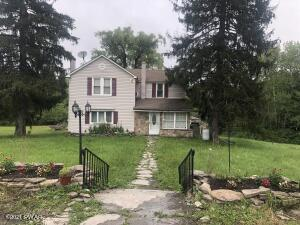 141 Peifer Rd, Lake Ariel, PA 18436