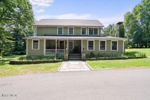 141 Woodtown Rd, Shohola, PA 18458