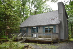 218 Canterbrook Drive, Lords Valley, PA 18428