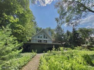 109 Lake Shore Rd, Tafton, PA 18464