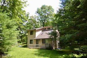 120 Hay Rd, Milford, PA 18337