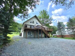 983 Brentwood Dr, Lake Ariel, PA 18436