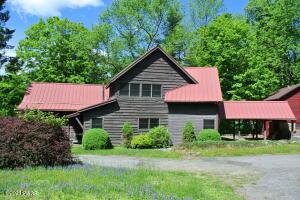324 Silver Lake Rd, Dingmans Ferry, PA 18328