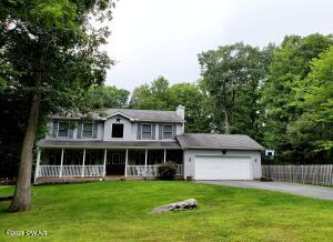 133 Surrey Dr, Lords Valley, PA 18428
