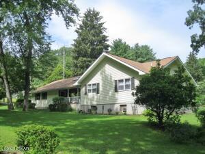 541 Bone Ridge Rd, Hawley, PA 18428