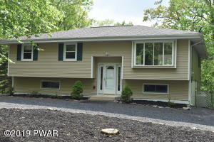 802 Mustang Court, Lords Valley, PA 18428