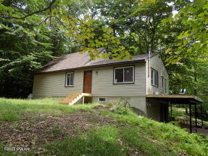 114 Crest Hill Rd, Canadensis, PA 18325
