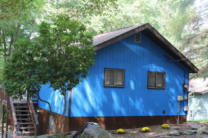 636 Lakeview Dr, Lake Ariel, PA 18436