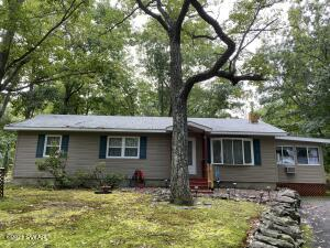 125 Maple Ridge Rd, Lords Valley, PA 18428