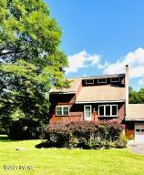 111 Lookout Dr, Hawley, PA 18428
