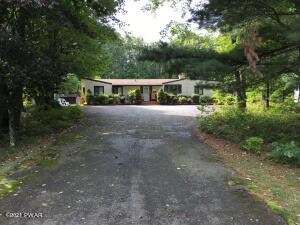 131 Overlook Ln, Lords Valley, PA 18428