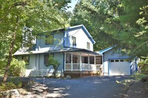 221 Remuda Drive, Lords Valley, PA 18428