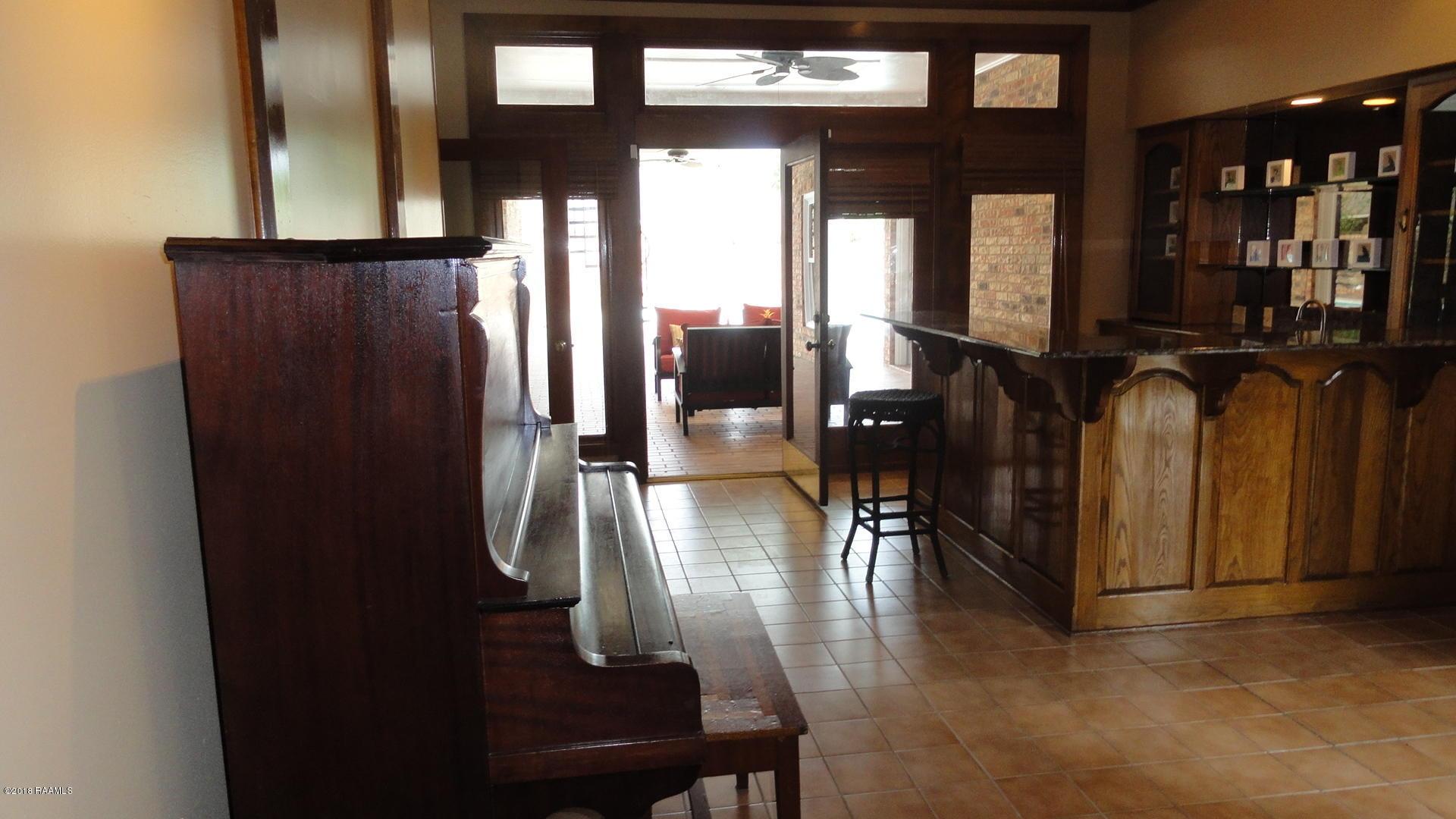 100 Oakforest Drive, Lafayette, LA 70501 Photo #13