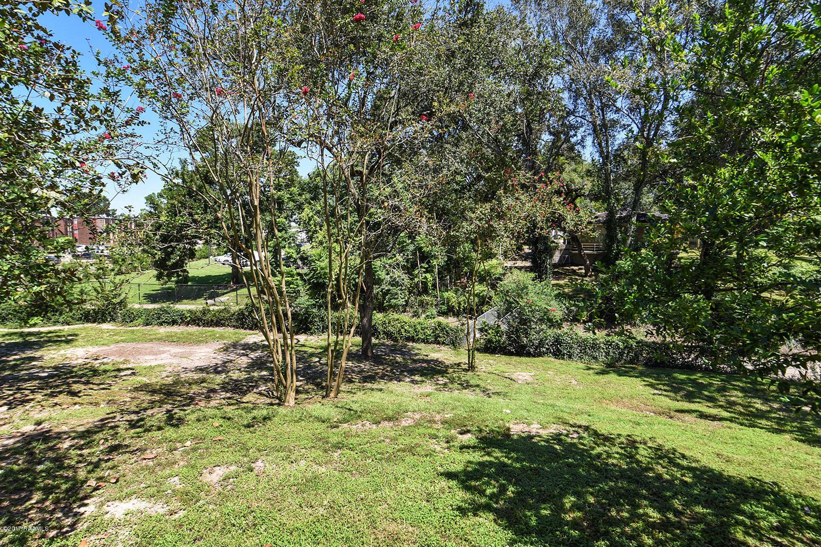 145 Girard Woods Drive, Lafayette, LA 70503 Photo #24
