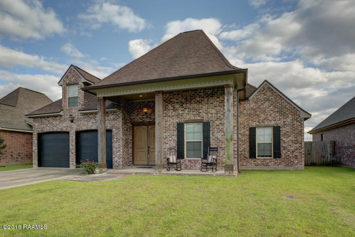 216 Tall Oaks Lane, Youngsville, LA 70592