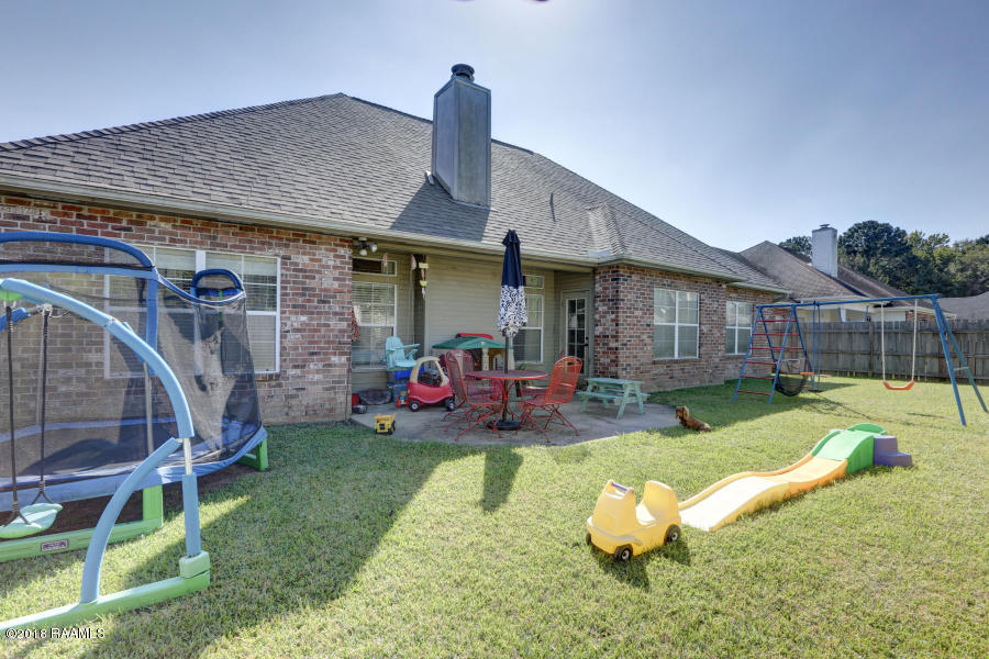 105 Gravenhage Circle, Youngsville, LA 70592 Photo #12
