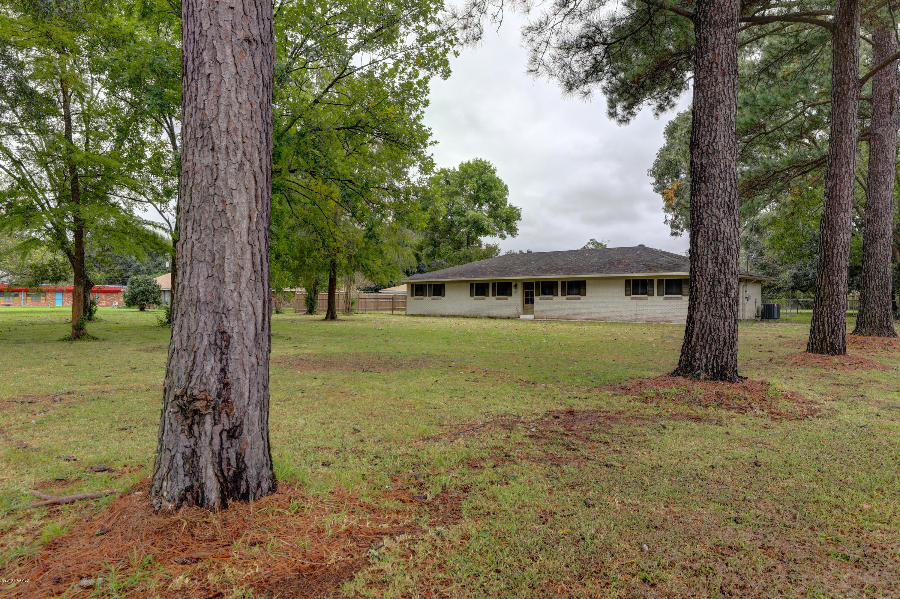 807 La Neuville Road, Lafayette, LA 70508 Photo #2