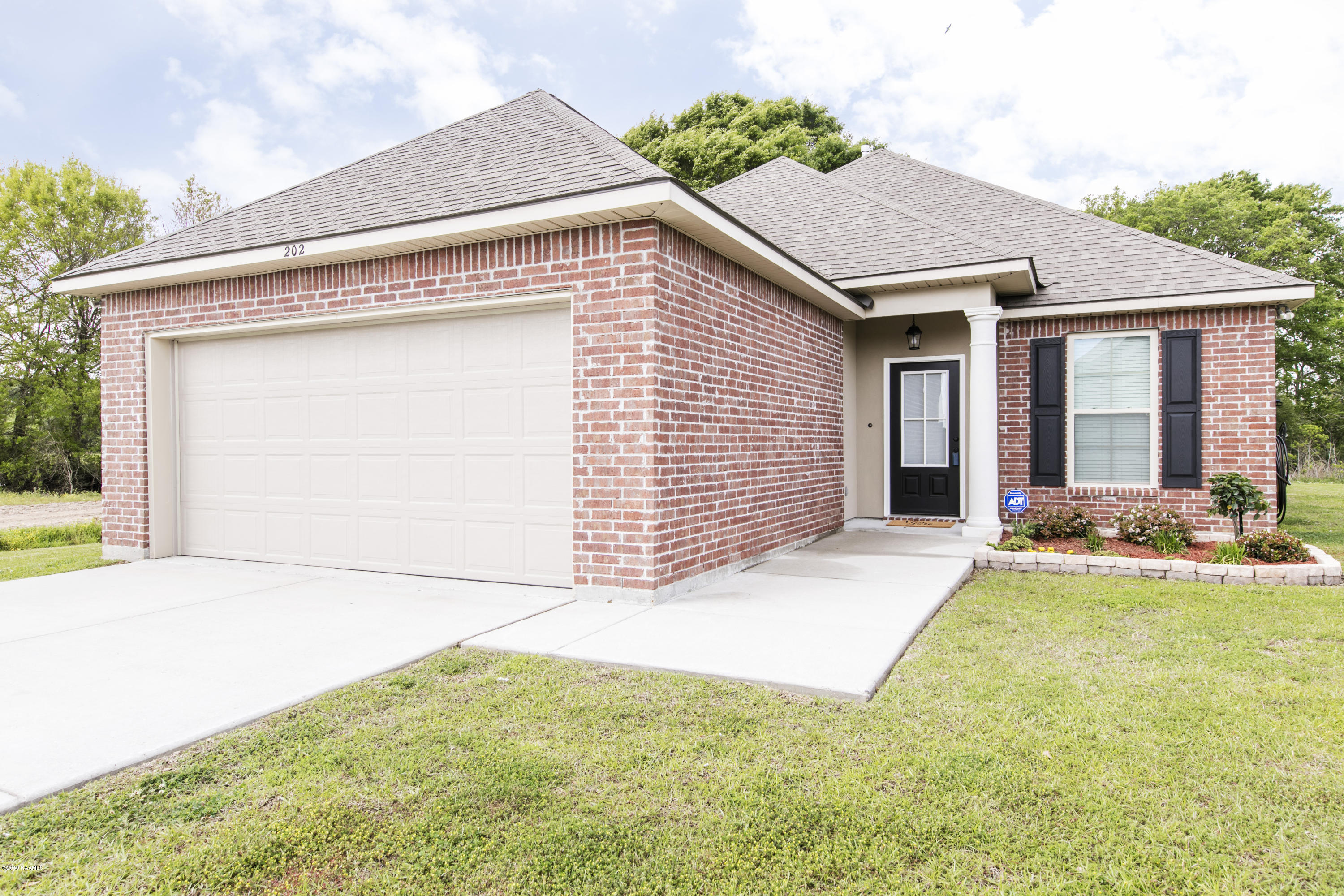 202 Teal Hollow Drive, Youngsville, LA 70592