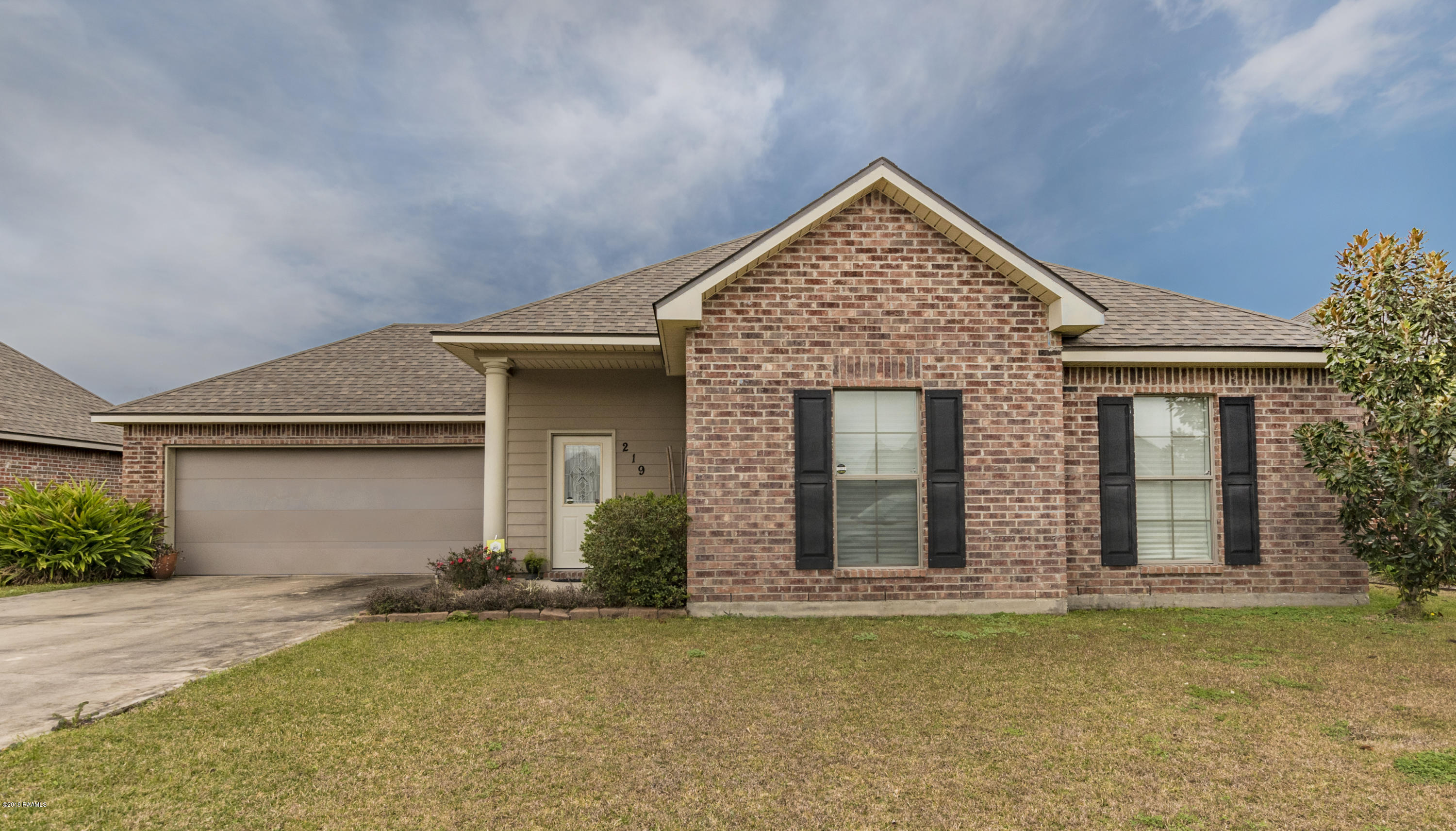 219 Oak Hill Lane, Youngsville, LA 70592