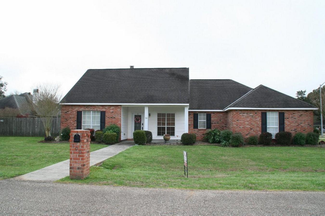 100 Sandy Brook Lane, Lafayette, LA 70508