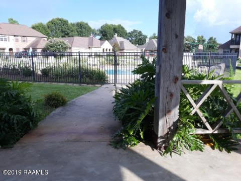 319 La Villa Circle, Youngsville, LA 70592 Photo #8