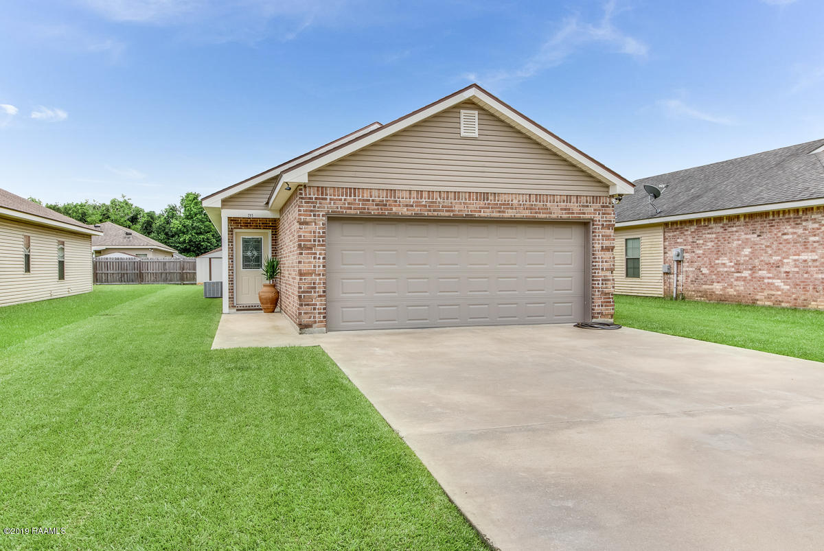 205 Bottle Brush Lane, Carencro, LA 70520