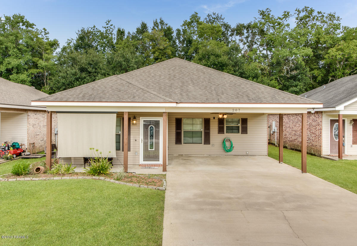 207 Sunflower Estates Lane, Carencro, LA 70520