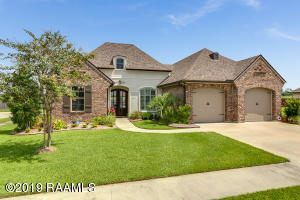 210 Cascade Palm Court, Youngsville, LA 70592