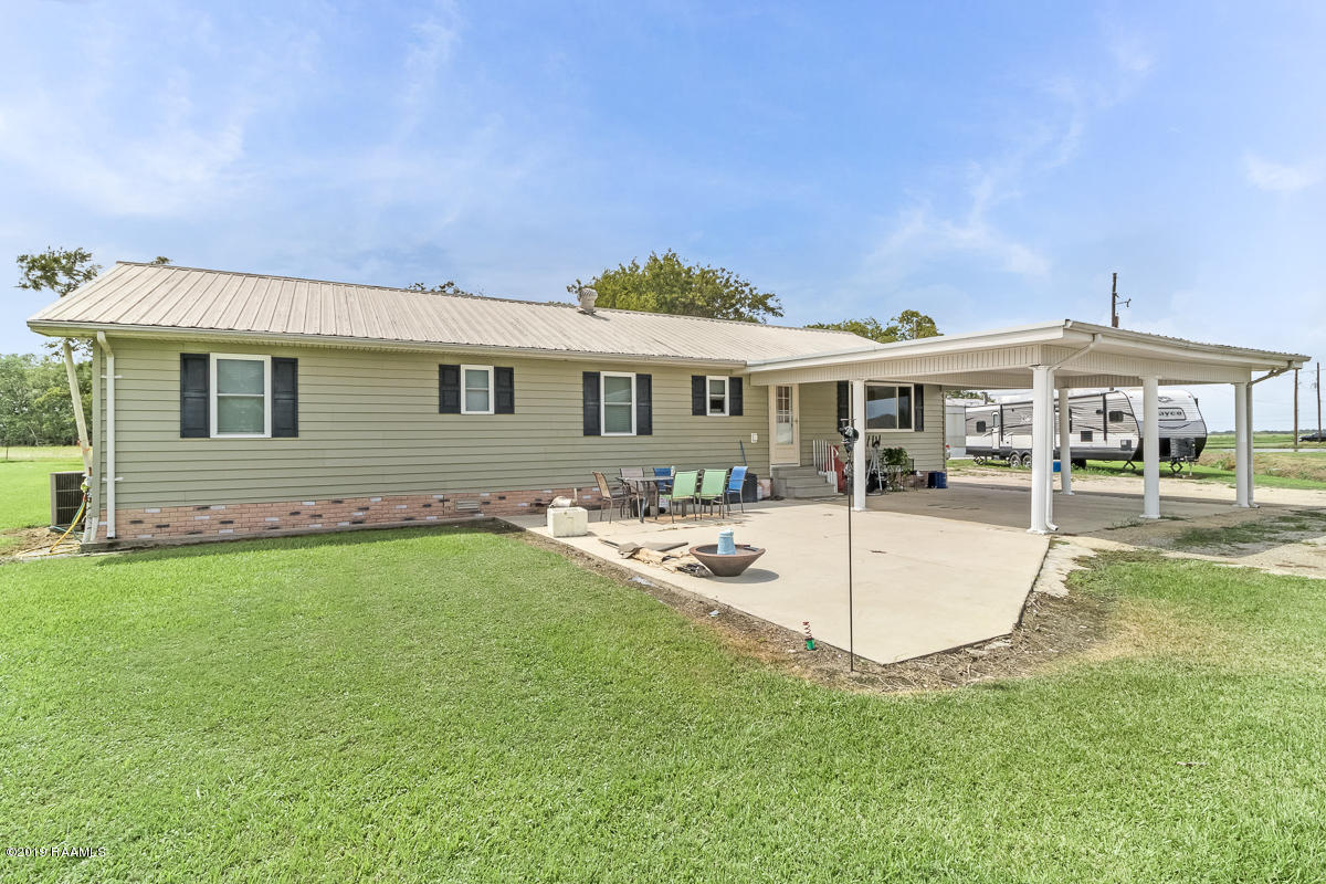 5026 Youngs Pvt Road, Maurice, LA 70555