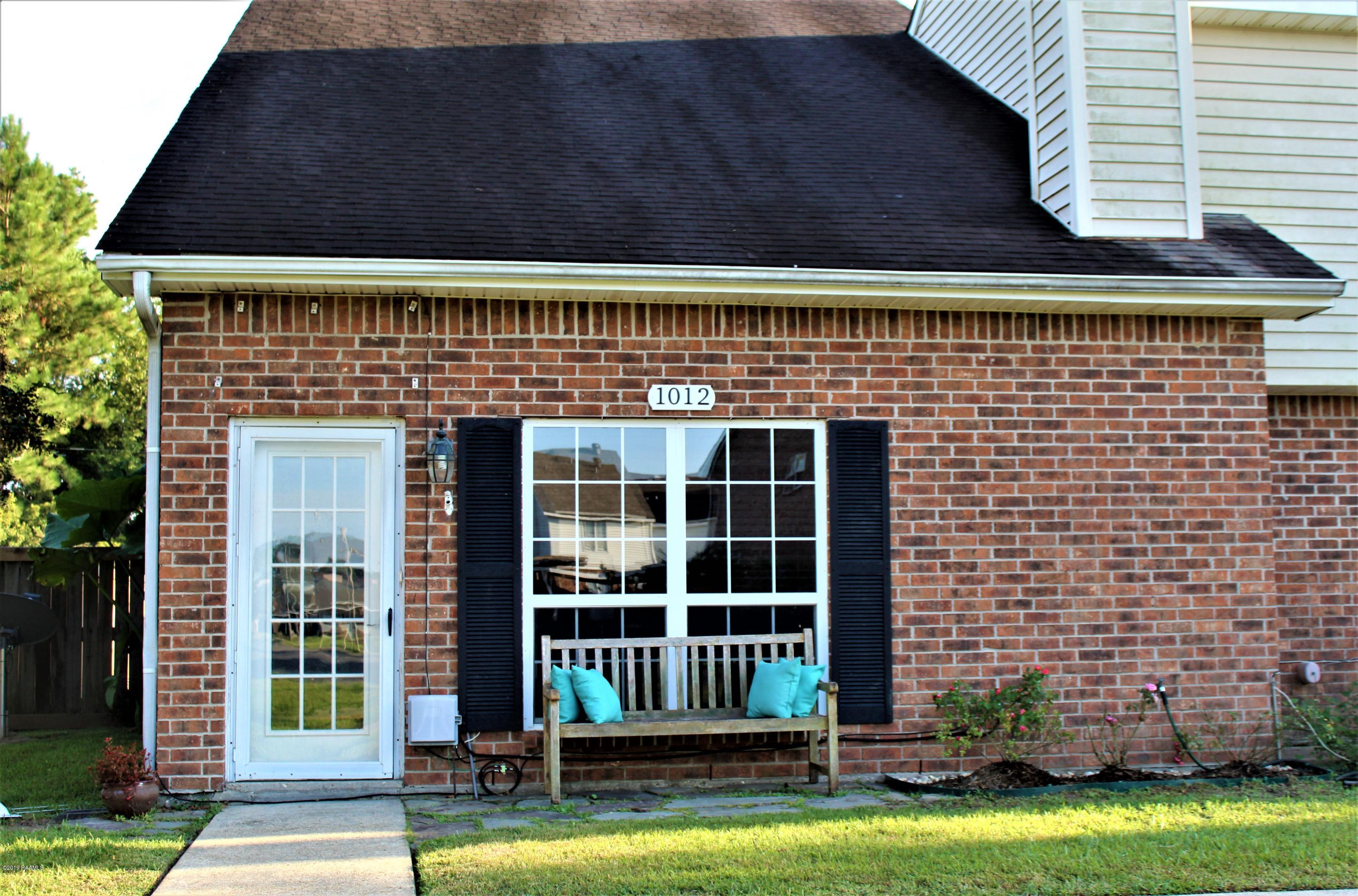 1012 Carriage Light Loop, Youngsville, LA 70592