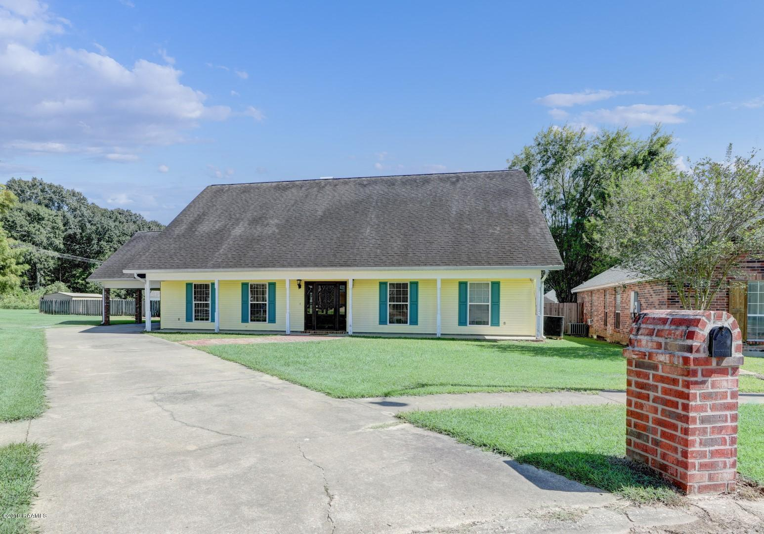 411 Rue Colombe, Carencro, LA 70520