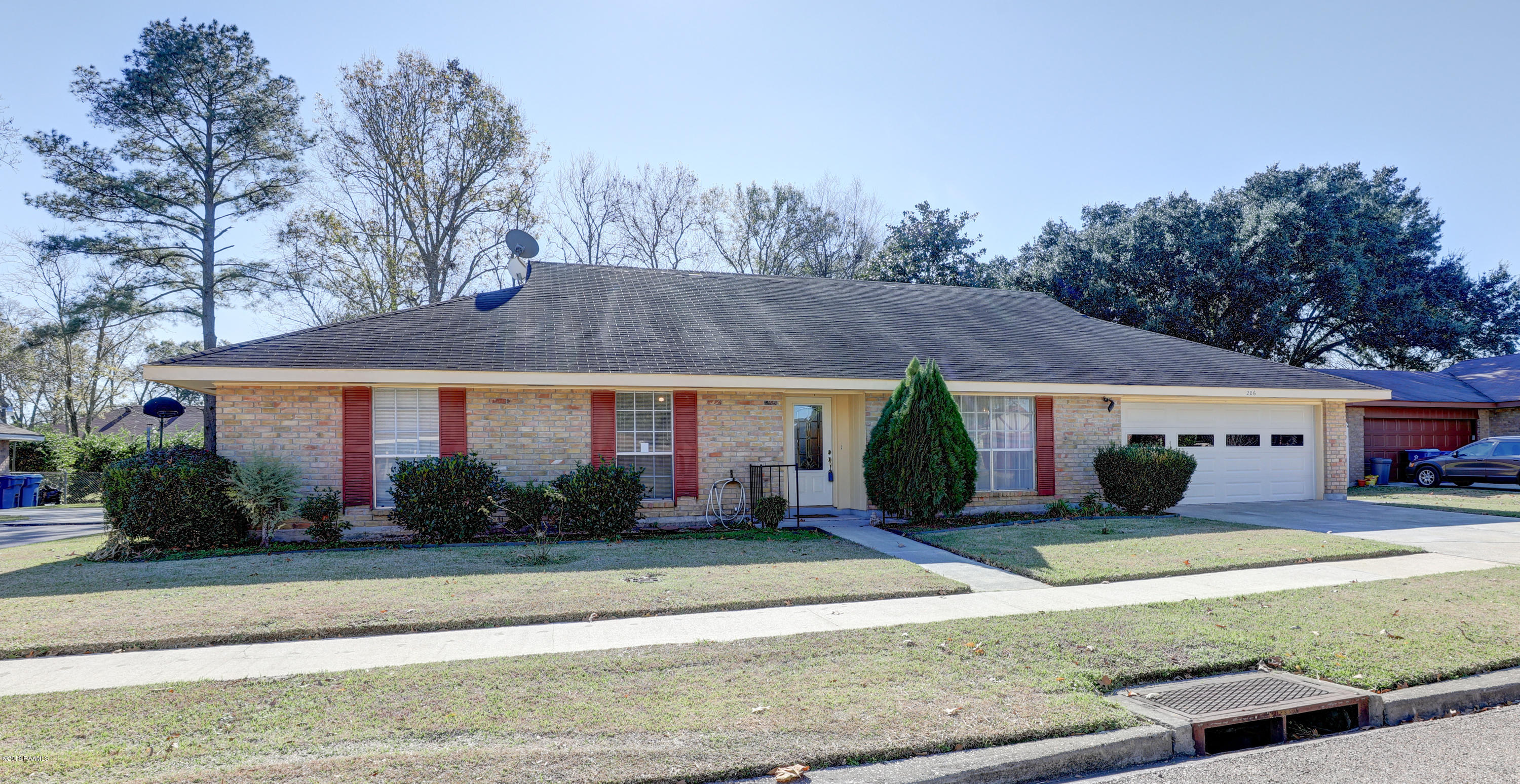 206 Persimmon Place, Lafayette, LA 70507 Photo #2